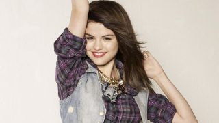 Selena Gomez in Check Shirt - Photo #11