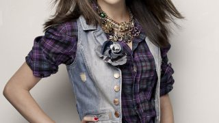 Selena Gomez in Check Shirt - Photo #4