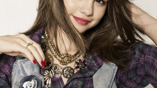 Selena Gomez in Check Shirt - Photo #5