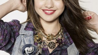 Selena Gomez in Check Shirt - Photo #8