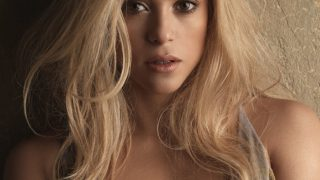 Shakira as The Natural Blonde - Photo #8