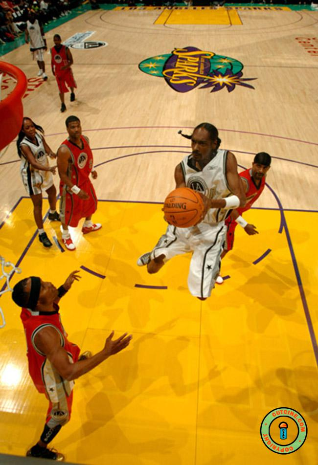 Snoop Dogg in Basketball Court