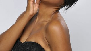 Toni Braxton in Black off shoulder - Photo #4