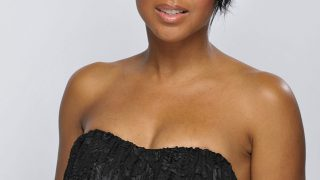 Toni Braxton in Black off shoulder - Photo #5