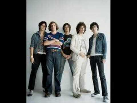 Barely Legal – Is This It (2001) | The Strokes