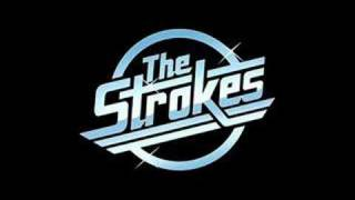Meet Me in the Bathroom – Room on Fire (2003) | The Strokes