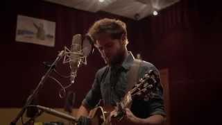 Golden Leaves (Acoustic) – Passenger